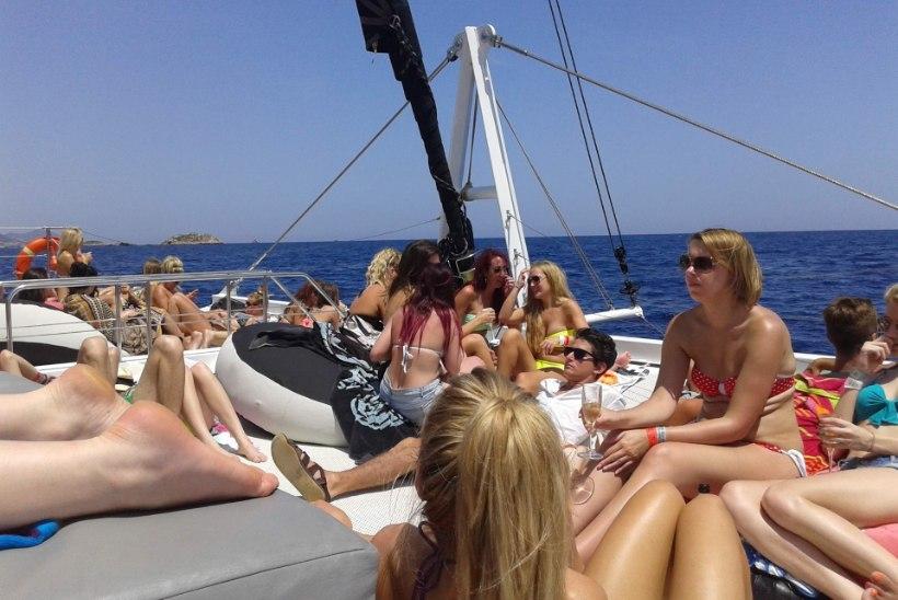 Ibiza kaks külge: peoparadiis ja pereinimeste suvituspaik