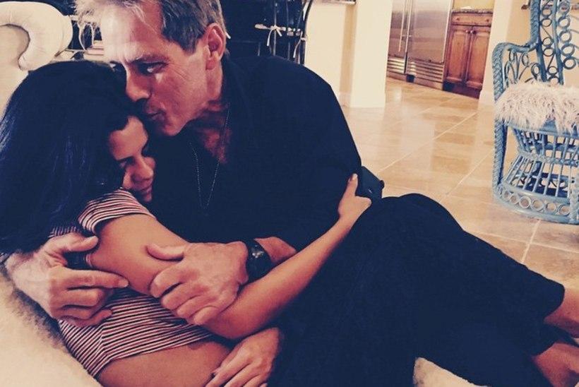 STAARID INSTAGRAMIS: Paris õega Pariisis, Miley vahuvannis, Selena Gomez isa kallistamas, Jessica Alba koos oma juuksuriga selfie't tegemas