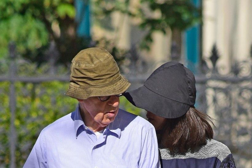 FOTOD: Woody Allen käis koos oma 37 aastat noorema abikaasaga jalutuskäigul
