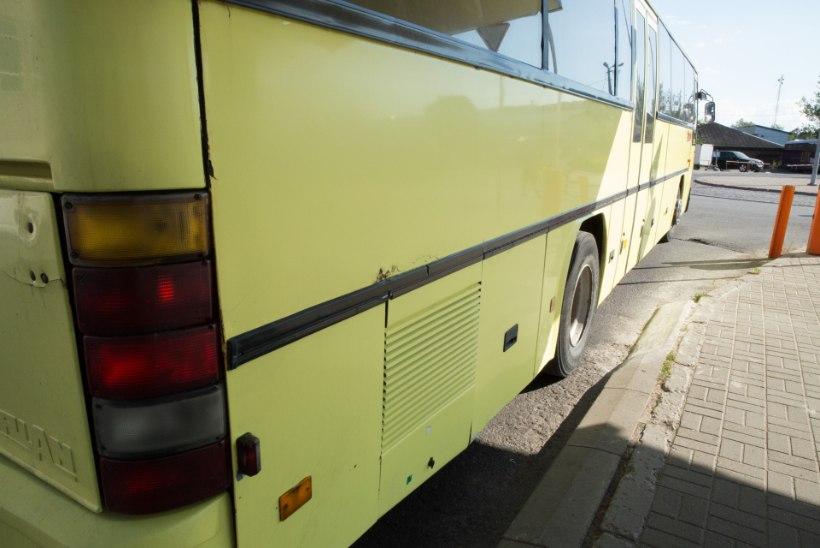 Jabur olukord: pooltühjad bussid uhavad peatumata mööda