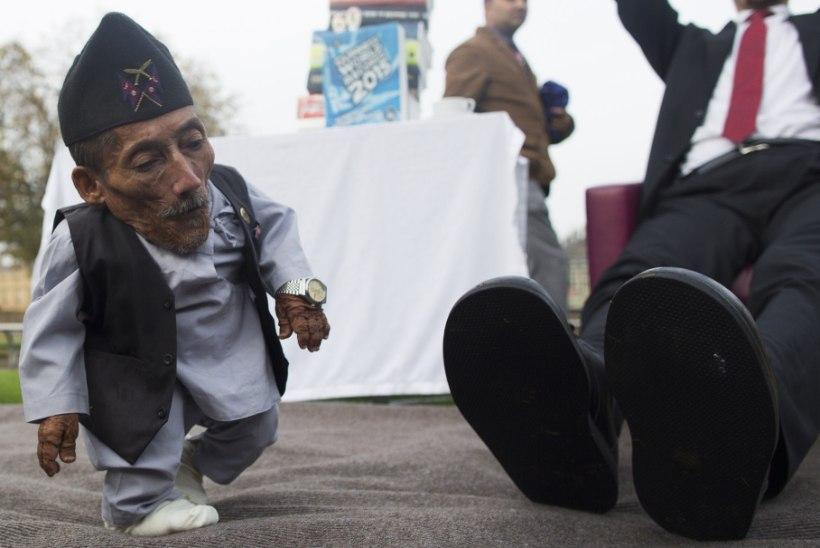 GALERII: Londonis kohtusid maailma pikim ja lühim inimene