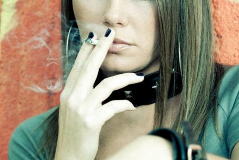 Psühhiaater: enamik noori, kes satuvad psühhoosiga haiglasse, on suitsetanud liiga palju kanepit