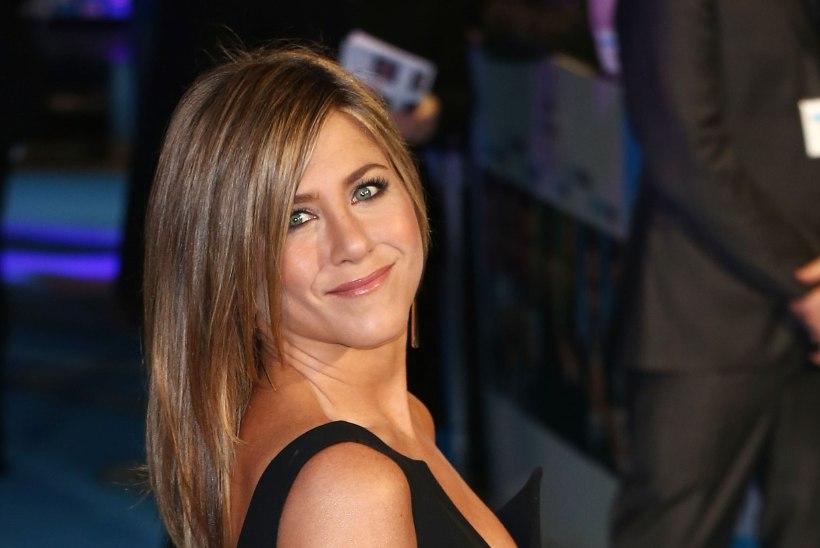 Jennifer Anistonil lõpuks kõht ees?!