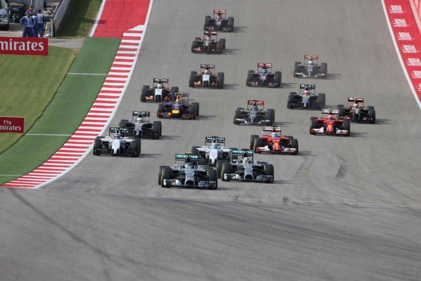 GALERII: Hamilton surus Rosbergi teiseks ja suurendas edu MM-sarjas