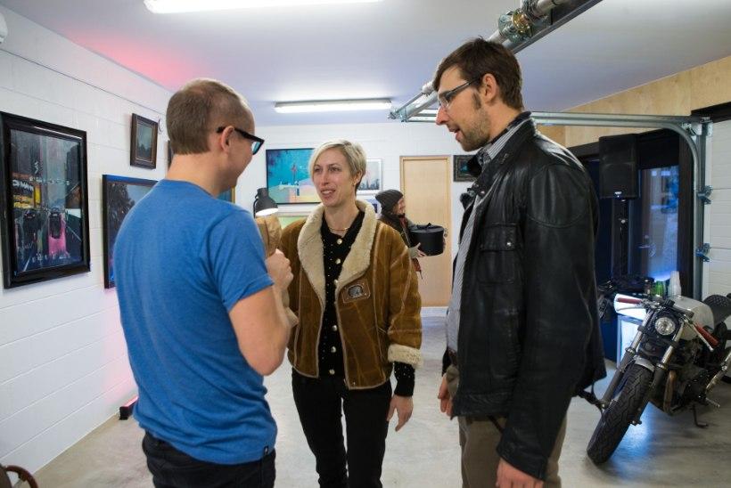 """GALERII: Leslie """"Da Bassi"""" maalikunsti näitus tema kodu garaažis"""