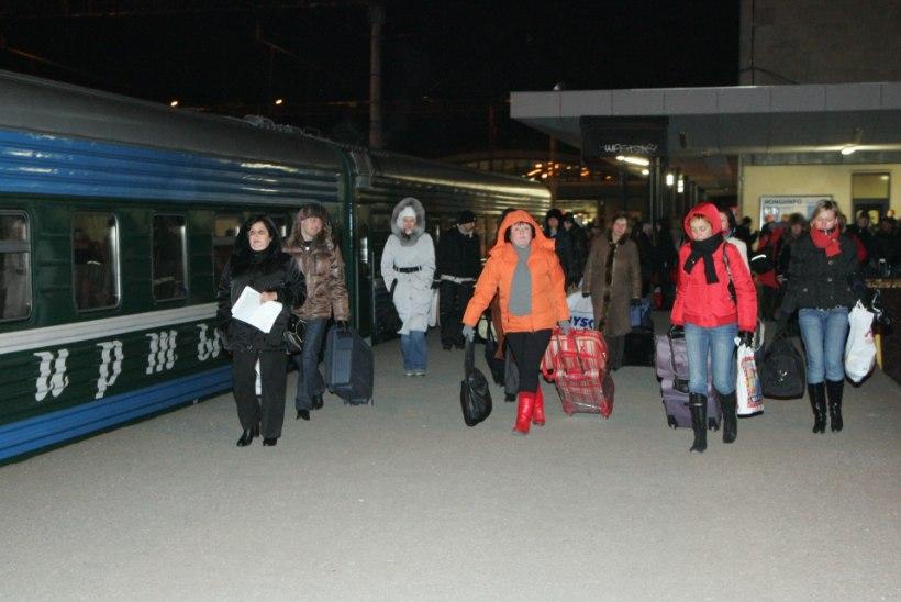 Vene turiste takistab Narva piiripunkti pudelikael