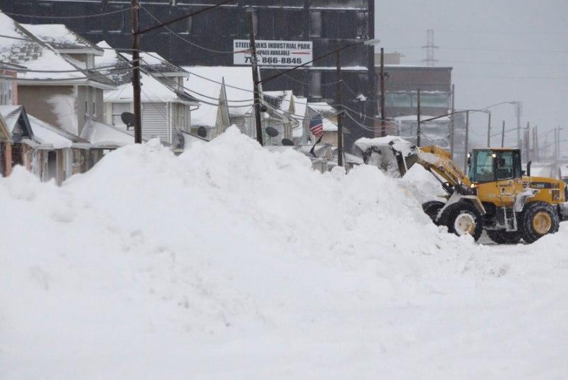 New Yorgi osariik uppus lumme