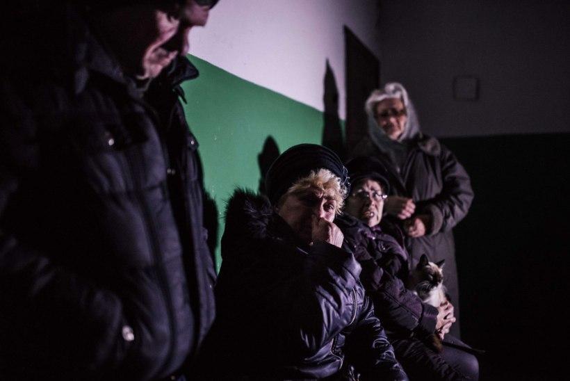 Donetskis hukkus mürsuplahvatuses kaks koolipoissi, neli sai haavata