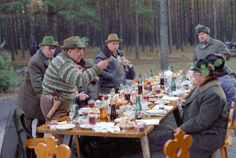 Nõukogude Liidu ladviku toitumissaladused: Brežnev kallas supid WC-potist vaikselt alla