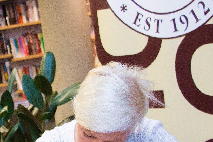 GALERII: Evelin Ilvese leivaraamat jõudis Kuressaare leivahuvilisteni