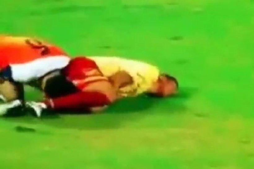 VIDEO: Kuveidi jalgpallur tahtis nina ja sõrme vastase tagumikku susata!