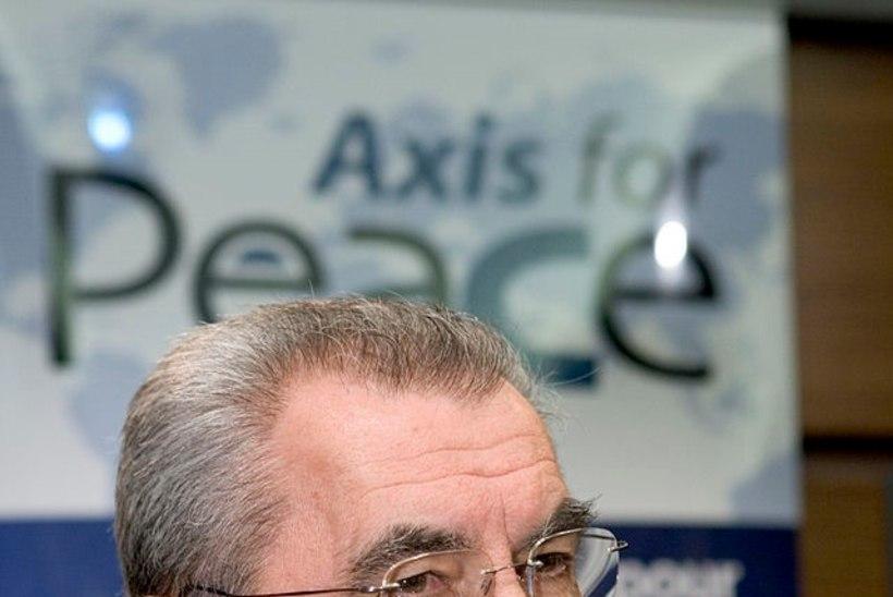 Eestisse sissesõidukeelu saanud Kremli-meelne Itaalia ajakirjanik lahkub täna