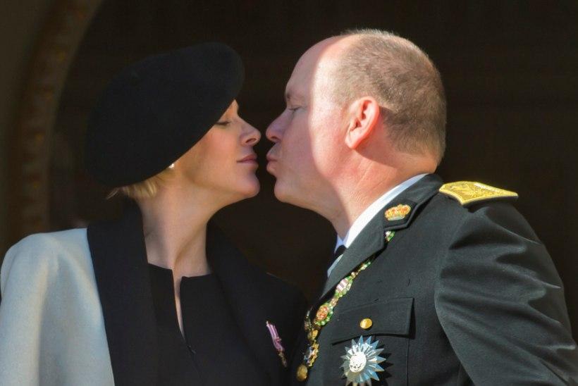 IMEARMAS! Monaco vürstipaar avalikustas kahenädalastest kaksikutest südamlikud perefotod