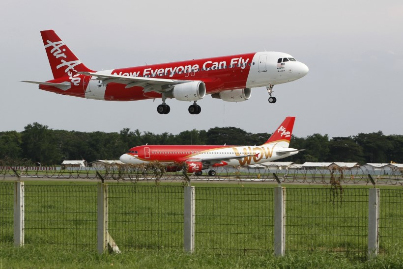 Indoneesia meedia: AirAsia reisilennuk võis kukkuda merre