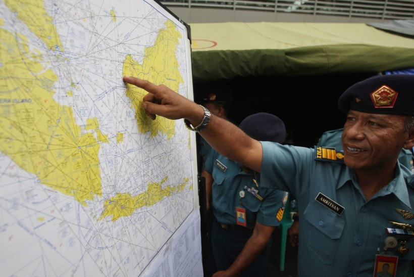 Austraalia lennuk märkas AirAsia otsingupiirkonnas kahtlasi objekte