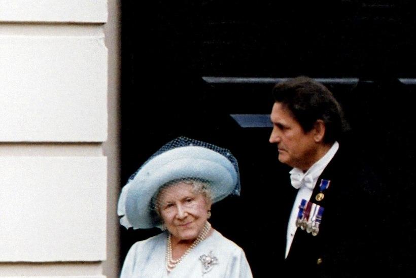 UUS KÕMUTEOS: kuninganna ema oli 20 viimast eluaastat peast segi!