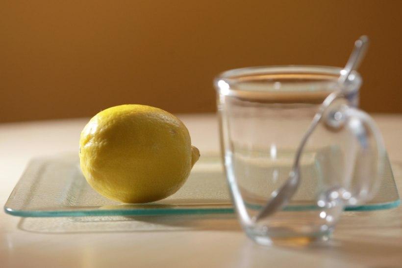 Hommikune klaasitäis sooja vett koos sidruniga - kas tõesti kasulik?