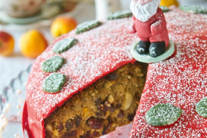 Jõulukook kuivatatud puuviljade ja mandlitega