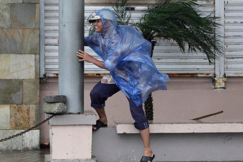 GALERII: Taifuun Hagupit möllab Filipiinidel