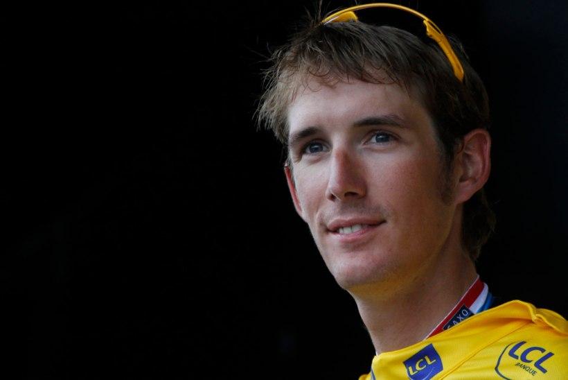 Andy Schleck sai Prantsuse presidendilt kätte 2010. aasta Touri võidukarika