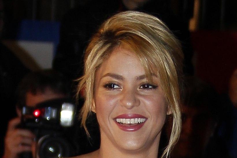 Poliitik: Shakira on lastele ohtlik!