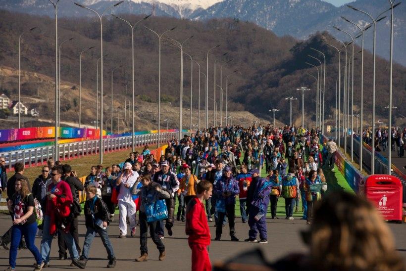 GALERII: Venemaa hokifännid tekitasid olümpiapargis võimsa melu!