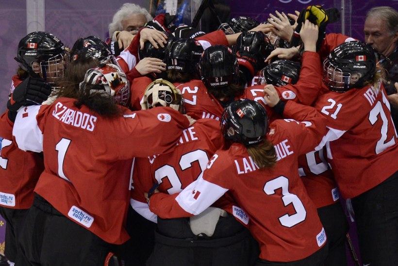 ÜLIKÕVA LAHING! Naiste hokikuld neljandat korda järjest Kanadasse!