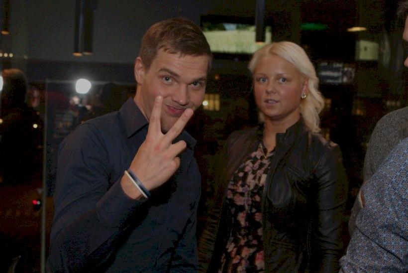 """GALERII: """"EuroEufooria"""" esilinastusele saabus Ott Lepland blondi kaaslannaga"""