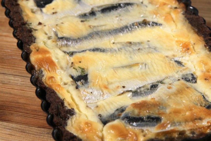 Räimepirukas leivapõhjal