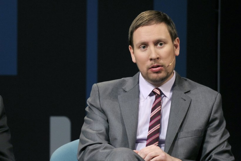 Soome spordiminister tähistas hokipronksi nii rajult, et suusamaratoni vaatama ei jõudnudki