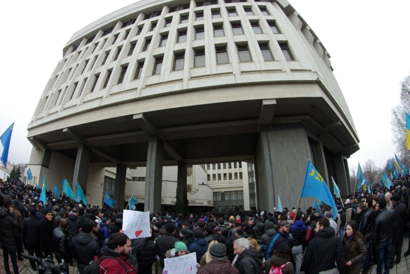 Krimmi parlamendi ja valitsuse hooned hõivasid relvastatud maskides mehed