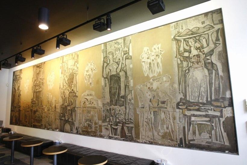 Kunstiteos eemaldati kaubamaja restorani seinalt ja viidi muuseumi