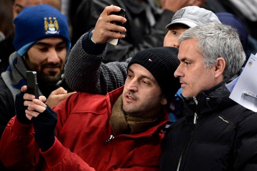 GALERII: Mourinho kavaldas Pellegrini ja City üle