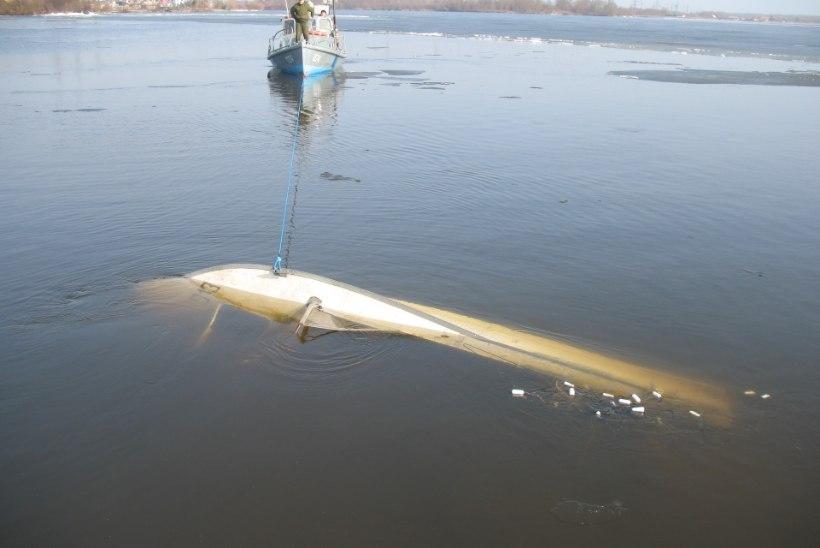 Üks kalamees läks paadiga järvele ja uppus, teine pidas jääsuppi ohtlikuks ja jäi kaldale