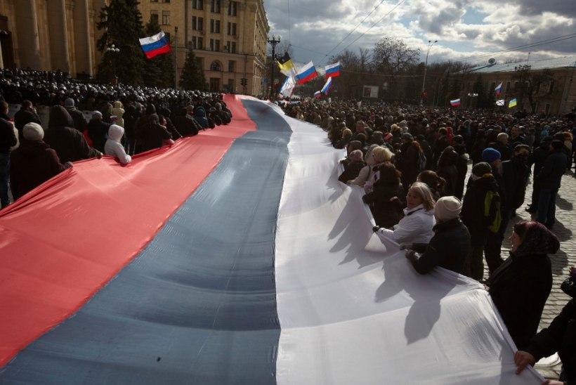 Harkivis põletasid venemeelsed ukrainakeelseid raamatuid