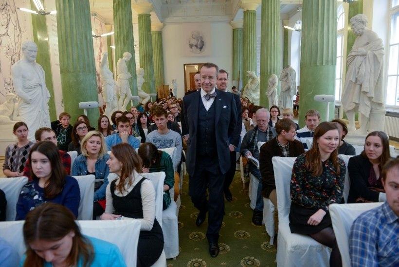 President Ilves Varssavi Ülikoolis: vabadus tuleb ehitada, seda ei anta