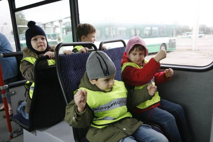 accce7b9b68 Valjala lapsevanemad tahavad lasteaialastele bussisaatjat | Õhtuleht