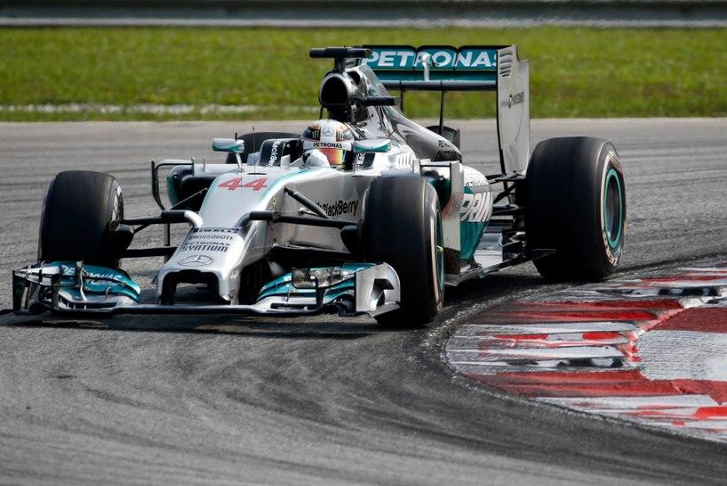 Lewis Hamilton ei andnud Malaisias teistele sõnaõigust