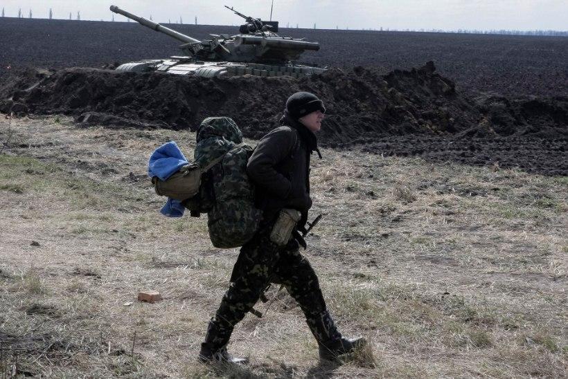 Vene väed tõmbuvad Ukraina piirist kaugemale