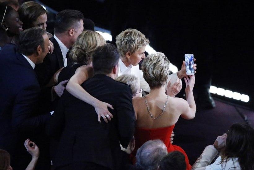 Oscarite õhtujuht Ellen murdis lava taga suursponsorile truudust