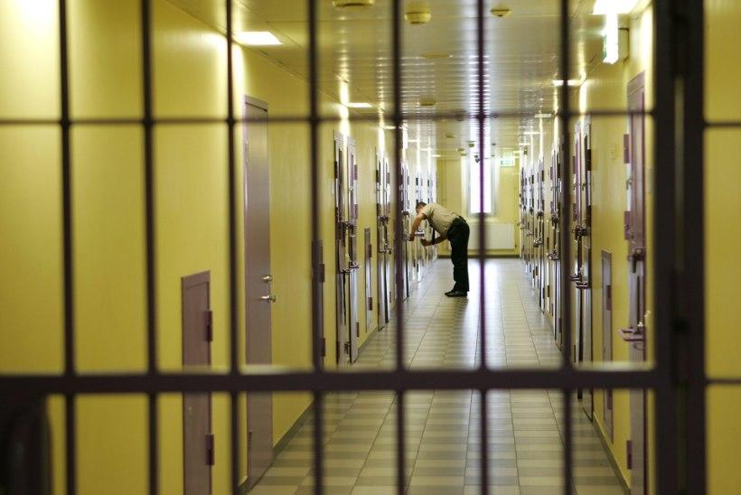 Tartu vanglas poos ennast vahistatu üles