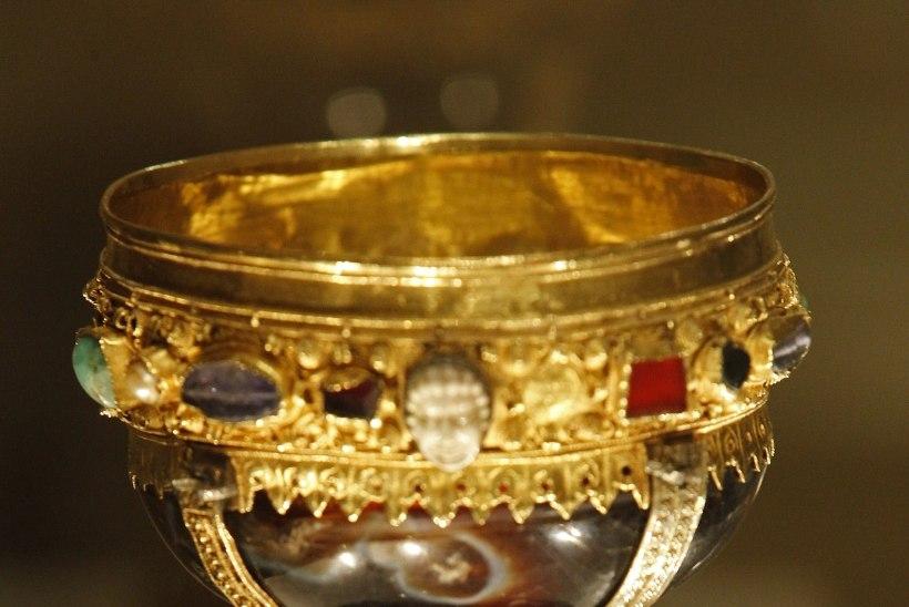 FOTOD: Püha Graal tõesti leitud?