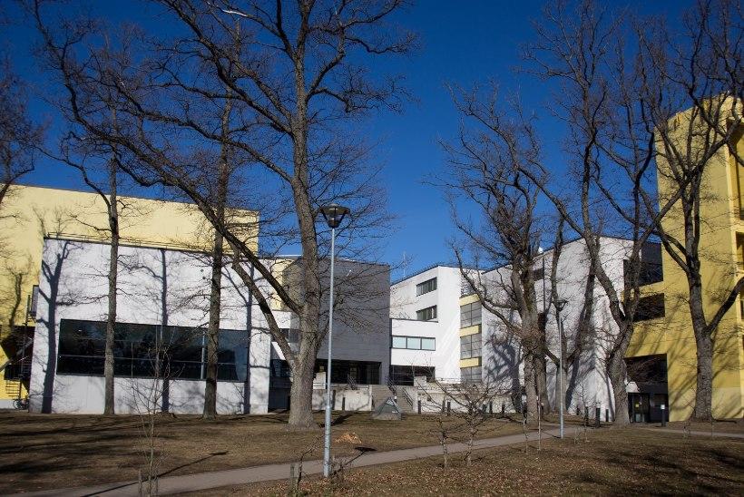 Erakoolid ähvardavad Tallinna kohtuga