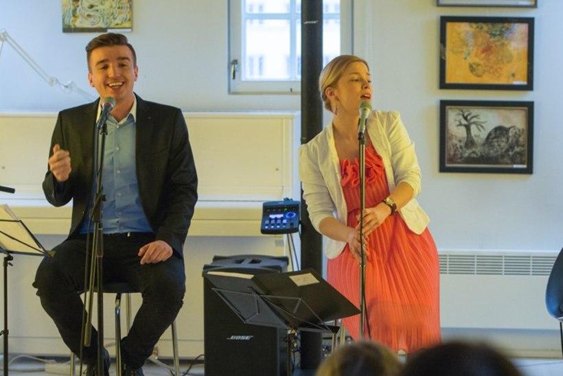 """Peaministri kaasa Luisa Värk annab kevadkontserte: """"Me oleme Artjom Savitskiga igavesed teised!"""""""