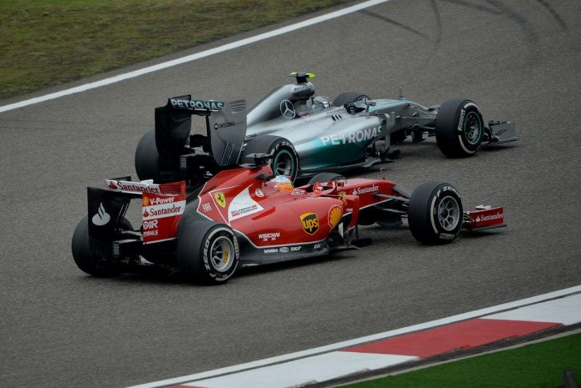 FOTOD: Hiina GP tänaste vabatreeningute kiireimad olid Alonso ja Hamilton
