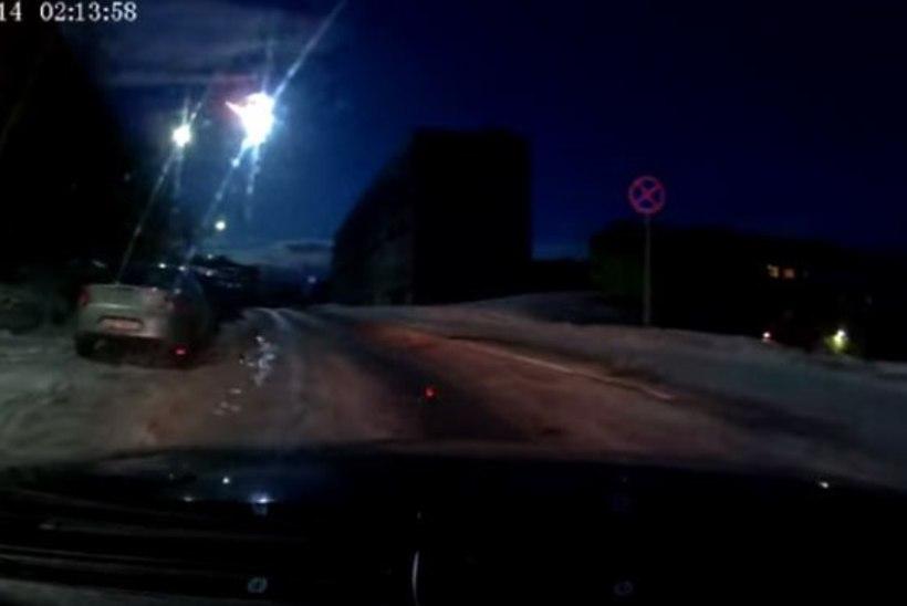 VIDEO: Murmanski kohal tuhises üliere meteoor