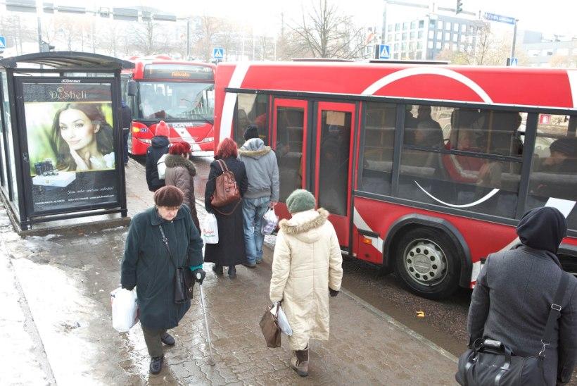 Tartumaa bussijuhid tahavad tuleval aastal 930-eurost kuupalka