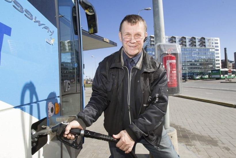 Pastor hakkas ka bussijuhiks: annetustest paraku peret ei toida