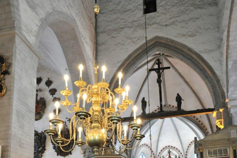 Eesti kirikukogudustel pole väärisasjade kindlustamiseks raha