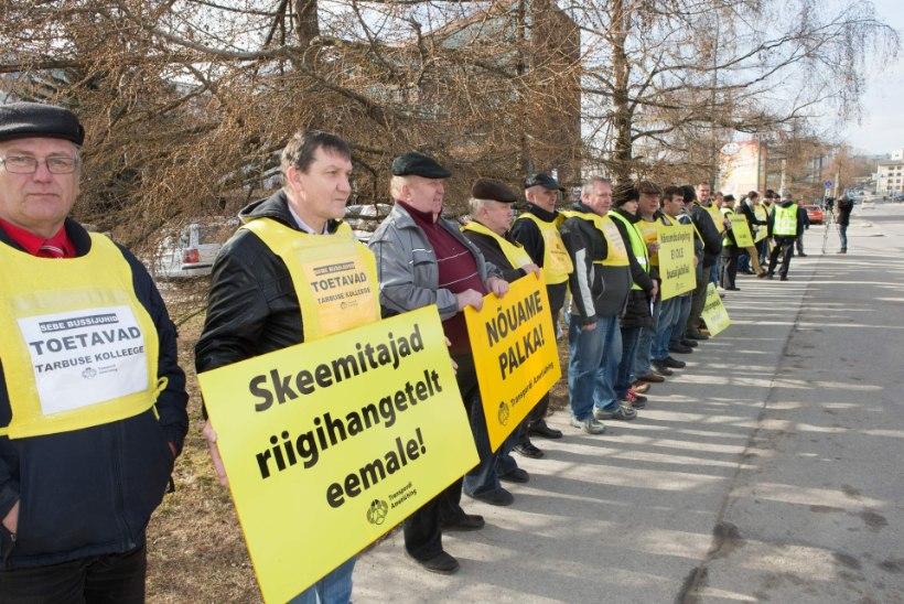 Pahased ja palka nõudvad bussijuhid: ei orjatööle!